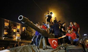 Сторонники переворота в Турции намерены продолжать борьбу