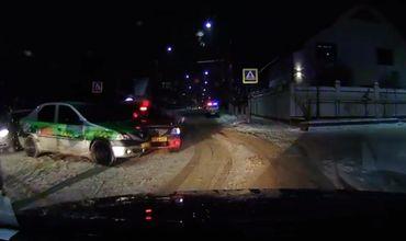 В Бельцах две машины такси столкнулись на перекрёстке.