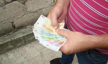 Фермеры северных районов Молдовы продолжают бороться с засухой.