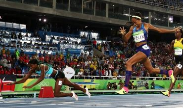 Шона Миллер всего на семь сотых секунды опередила на финише американку Эллисон Феликс.