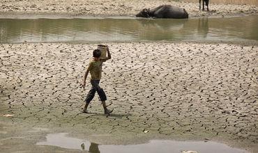 На востоке Индии из-за экстремальной жары погибли 92 человека.