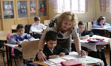 Profesorii vor fi obligați să pregătească mai puține rapoarte despre activitatea lor și a elevilor.