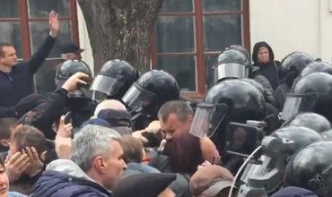 Amnesty International требует расследовать действия полицейских в Орхее