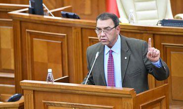 Депутат Партии социалистов Владимир Головатюк.