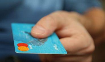 Платежи с помощью выпущенных в Молдове карт продолжают расти восьмой год подряд.