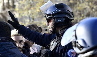 Во Франции в столкновениях с мигрантами ранены четверо спецназовцев