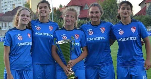 Echipa de fotbal feminin Agarista Anenii Noi a cucerit Cupa FMF thumbnail