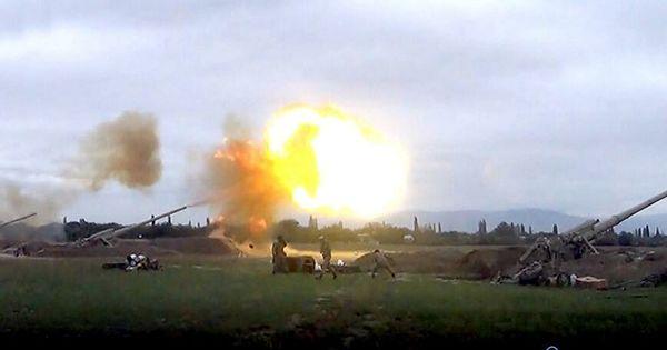 "В Баку заявили об уничтожении ""восьми единиц боевой техники противника"" thumbnail"