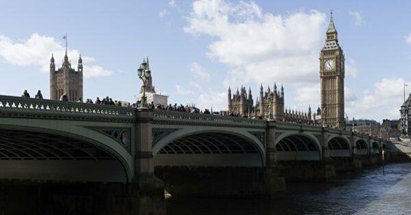 В Великобритании число жертв коронавируса превысило семь тысяч человек thumbnail