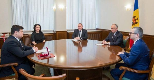 Ambasadorul R. Belarus în Moldova, decorat cu Ordinul de Onoare thumbnail
