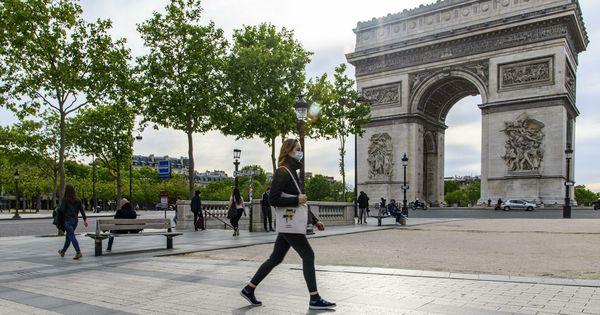 В Париже эвакуировали площадь Шарля де Голля из-за сообщения о бомбе thumbnail