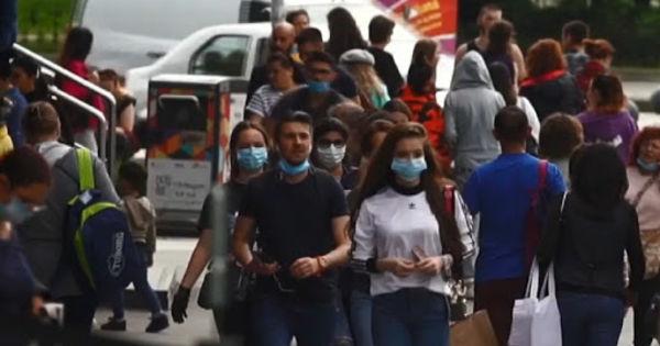 Tot mai mulți tineri români se infectează cu COVID. Rafila: Destul de preocupant thumbnail