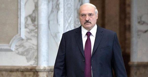 Лукашенко считает, что сложная ситуация с коронавирусом сохранится в Белоруссии еще месяц thumbnail