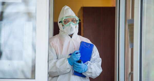 Oficial: 1.545 de lucrători medicali, infectați. Starea pacienților thumbnail