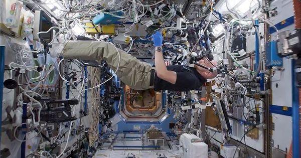 NASA a publicat un video în care ne arată cum se antrenează astronauţii thumbnail