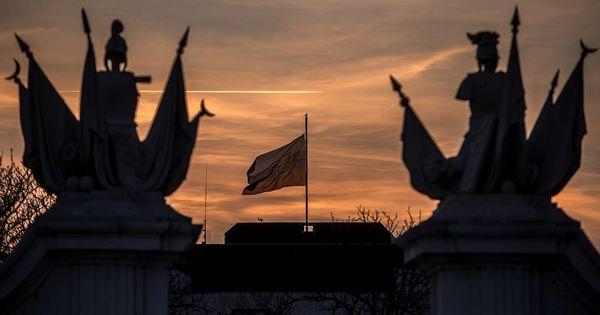 Словакия высылает трех российских дипломатов, подозреваемых в шпионаже thumbnail
