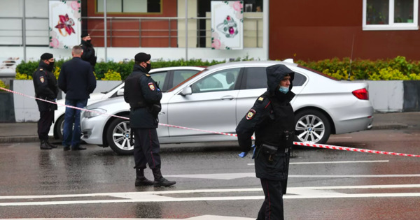 Полиция Москвы взяла штурмом здание «Альфа-банка», где захватили заложников thumbnail