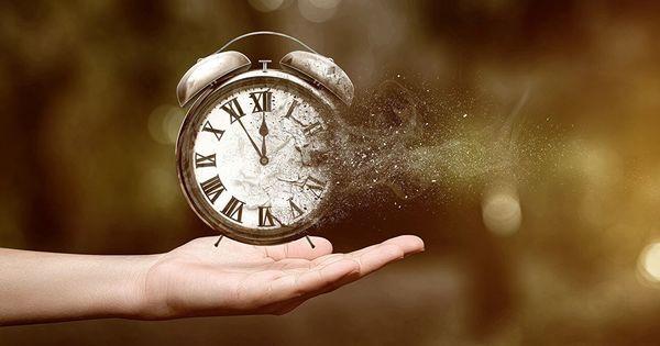 Timpul ar putea curge invers: Noua descoperire făcută de oamenii de ştiinţă thumbnail
