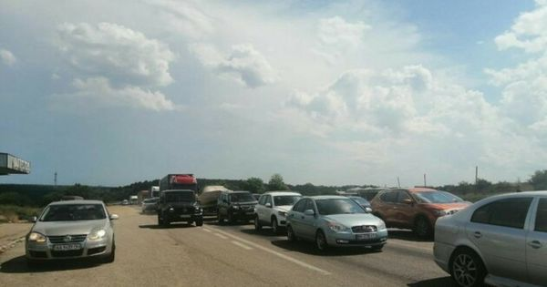 Трасса Одесса-Киев стоит в пробках, отдыхающие массово едут домой thumbnail