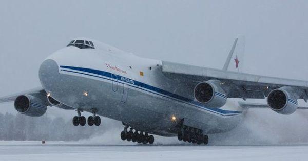 Rusia trimite un avion cu ajutoare medicale în Statele Unite thumbnail