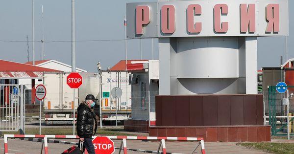 Россия закрывает все сухопутные границы из-за коронавируса thumbnail