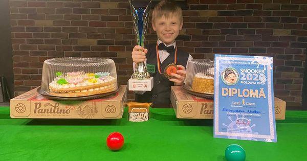 Un băiețel de 9 ani a câștigat Campionatul Moldovei de Snooker thumbnail