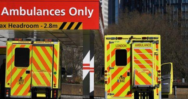 O femeie infectată din Londra a murit după ce ambulanța i-a părăsit casa thumbnail