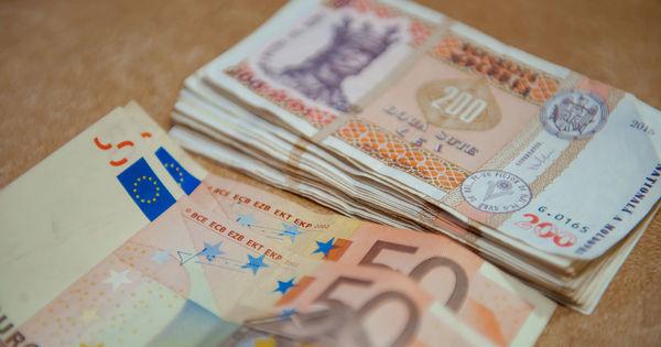 Expertul economic Veaceslav Ioniţă: Moldovenii nu cred în depozite thumbnail
