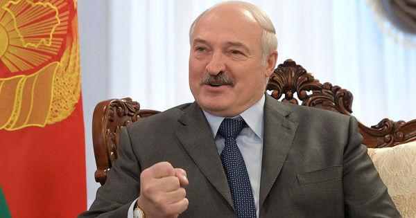 Лукашенко лишил дипломатического ранга поддержавших протесты послов thumbnail