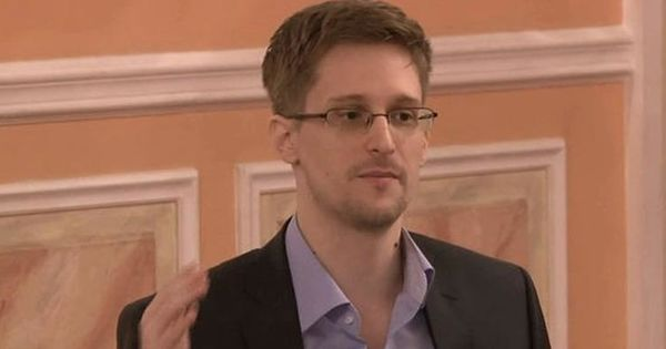 Суд обязал Сноудена выплатить властям США $4,2 млн thumbnail