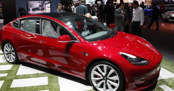 Tesla a prezentat un ventilator creat cu piese de la mașinile Model 3 și Model S thumbnail