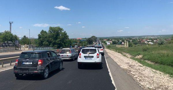 На трассе Кишинев-Оргеев образовались пробки thumbnail