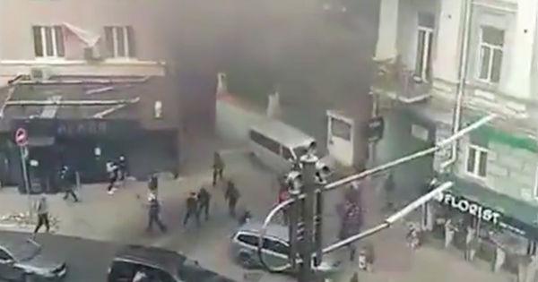 В Киеве возле офиса Виктора Медведчука произошел взрыв thumbnail