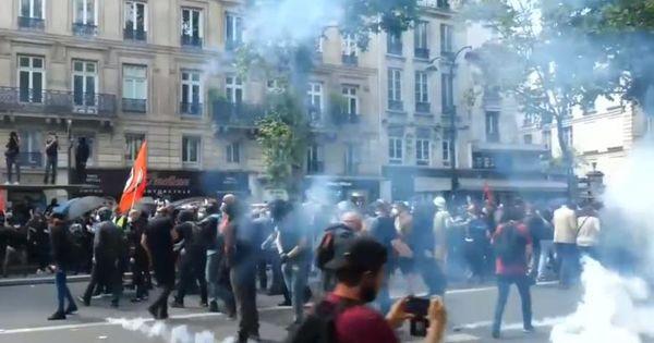 Un alt protest s-a transformat în Franța într-o confruntare cu poliția thumbnail