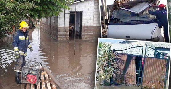 Спасатели продолжают ликвидировать последствия вчерашнего наводнения thumbnail