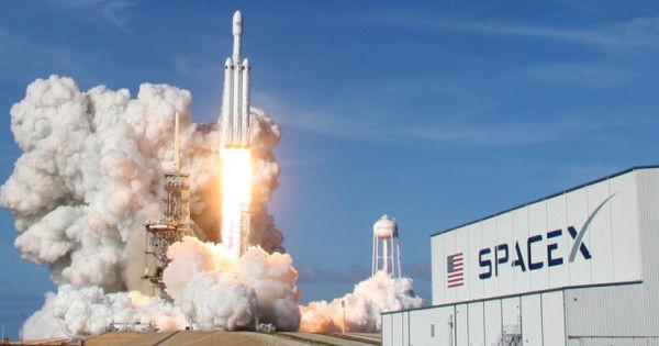 SpaceX запланировала запуск ракеты-носителя со спутниками Starlink на 11 июля thumbnail