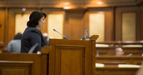 Думбрэвяну о вотуме недоверия: С максимальным достоинством приду в парламент thumbnail