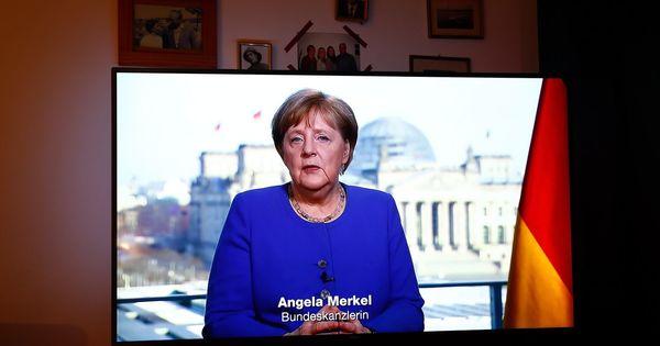 Angela Merkel le cere germanilor să rămână acasă până după Paşte thumbnail