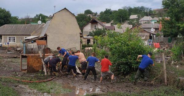 Prejudicii după ploile din țară: Grădini înnămolite și păsări nimicite thumbnail