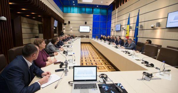 ДПМ и ПСРМ провели собрание, на котором присутствовали президент и премьер thumbnail