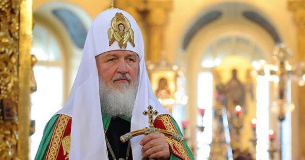 Patriarhul Kirill, către enoriași: Abținețivă de la vizitarea bisericii thumbnail
