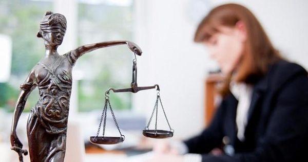 Адвокаты могут отказаться от участия в судебных слушаниях thumbnail