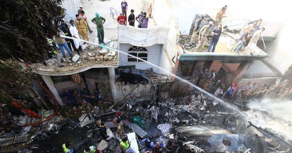 Prima versiune în cazul avionului cu 107 oameni prăbușit peste case thumbnail