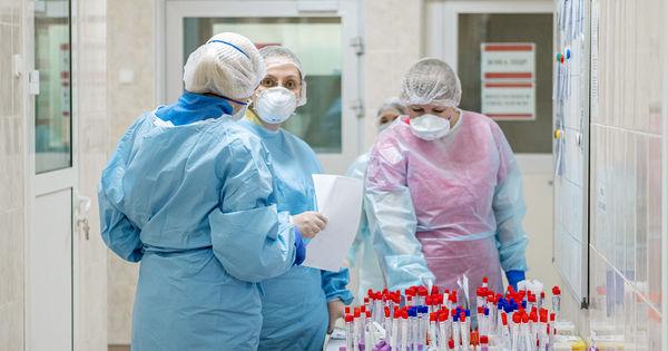 Медики о COVID-19: И врачи, и пациенты нуждаются в психологической поддержке thumbnail