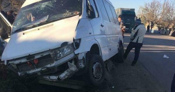 Găgăuzia: Un microbuz, implicat într-un grav accident thumbnail