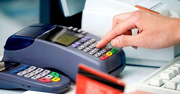 Câţi moldoveni deţin un card bancar şi câţi îl folosesc thumbnail