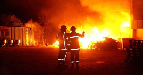 Cum plănuieşte Australia să stingă incendiile de vegetaţie thumbnail