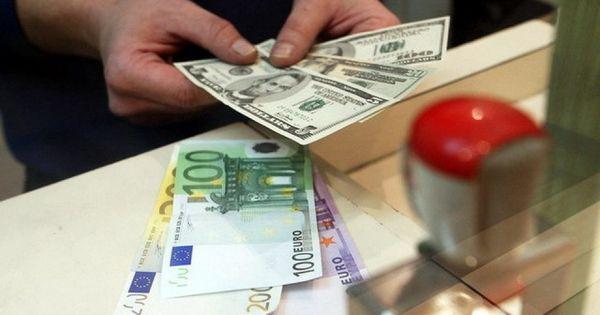 Curs valutar: Cât va costa un euro și un dolar în weekend thumbnail