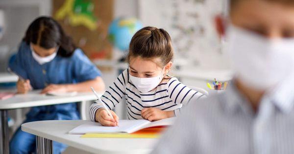Минздрав о возврате к урокам по 45 минут: Детям нужно наверстать thumbnail