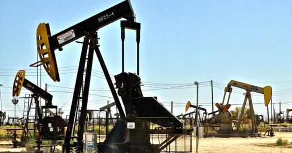 Măsuri disperate în Texas: Petrolul este pompat înapoi în sol thumbnail